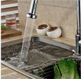 La placa sanitaria del cromo de las mercancías saca el mezclador del fregadero de cocina
