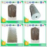 Couvertures de vêtements en politesse claires pour la lessive