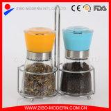 Insieme della smerigliatrice del sale e di pepe dell'acciaio inossidabile con il basamento