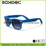 女性のサングラス熱い販売フレームのプラスチックサングラス