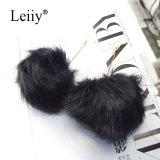 Les femmes de l'hiver de fourrure noire longue balle Poms POM Mode bijoux Drop Earring