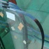 China-Fertigung 15mm super großes Niedrig-Eisen ausgeglichenes Glas
