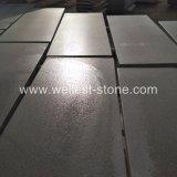 Il basalto grigio naturale smerigliatrice i punti decorativi della scala delle mattonelle del basalto della parete delle mattonelle della piscina delle mattonelle del pavimento non tappezzato del basalto