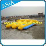膨脹可能な0.9mm PVC水はえの魚はバナナボートを毛鉤で釣る