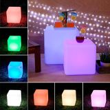 RGB color cambiando el altavoz Bluetooth impermeable LED cubo
