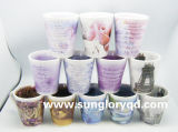 Caneca da porcelana com projetos interior e parte externa para anunciar a promoção