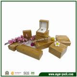 Alto rectángulo de joyería de madera de barnizado brillante