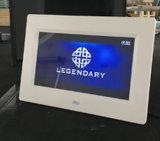 El modelo más reciente de 7 pulgadas LCD función básica de la publicidad reproductor de vídeo HD de la tarjeta SD USB Reproductor de Imagen Digital Photo Frame con la batería