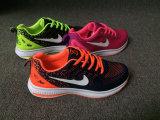 新しい到着の熱い方法女性のスニーカーの靴