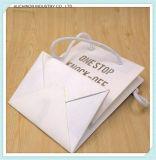Zakken van de Gift van het Document van de Handvatten van het Ontwerp van de douane de Goedkope Bruine Verdraaide