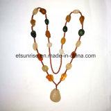 Collier de cornaline d'agate rugueux de pierres précieuses semi-précieuses