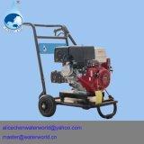 Máquina de la limpieza del agua que echa en chorro de alta presión diesel