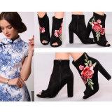 Zapatos bordados de encargo de las mujeres del alto talón del nuevo del estilo estilo del Sweety