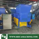 Einzelne Mittellinie, die Maschine für grossen Plastikblock-Klumpen zerquetscht