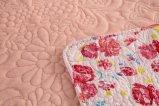 La couverture de broderie avec le tissu de flanelle et peut personnalisé de rose-clair