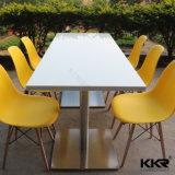 4 Personne de l'acrylique Surface solide Table à manger des chaises pour restaurant