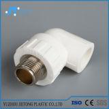 De l'eau froide de PPR pipes et garnitures en plastique et chaude PPR