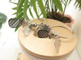 パイナップル形の女性のための模造銀製のカラーサークルのイヤリング