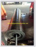 L'alto filetto del pneumatico di resistenza all'usura ha mescolato la stuoia/rullo di gomma di rinforzo della stuoia