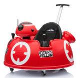 Conduite des gosses RC sur le jouet de véhicule avec le traitement de poussée