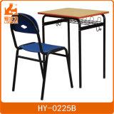 Moderner einzelner Schule-Schreibtisch und Stuhl für Schule-Projekt