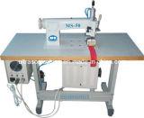 Máquina de costura em renda de ultra-sons com marcação para raspar e aparar
