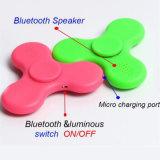 Girador da inquietação com construído brinquedo do dedo da descompressão da parte superior de giro do dedo do altofalante do diodo emissor de luz Bluetooth no tri