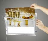 Кабель висящих освещения в салоне в окне отображается