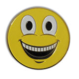 Insigne rond d'émail de sourire de jaune de Hotsell pour le cadeau de promotion (X-39)