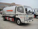 Dongfeng 8tonsの下水の吸引のタイプ下水道のクリーニングのトラック