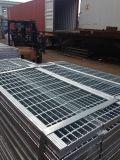 최신 복각 강철 구조물 사다리를 위한 직류 전기를 통한 삐걱거리는 금속 단계