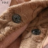 編むことの新しい本革そして毛皮のコート