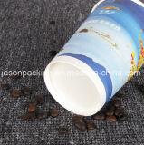 Taza de papel desechable de café con la manija