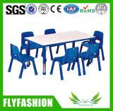 Table et chaise d'enfants mignonne en plastique et verte (SF-08C)