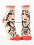 豪華な文字美の女性の服の足首のソックス