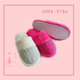 Winter Warm Beautiful Indoor Bedroom Pantoufles en peluche TPR avec feuille