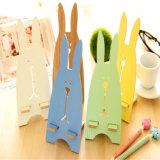 Colorear el soporte de madera perezoso del teléfono móvil del conejo para el iPad y el móvil