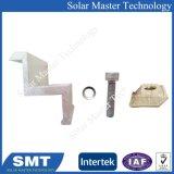 Bride d'extrémité réglable pour système d'alimentation solaire