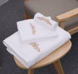 Aangepaste Katoenen van het Borduurwerk Badhanddoek