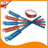Banden van de Armband van de Manchetten van identiteitskaart van het Vermaak van de douane de Vinyl Plastic (E6060B22)