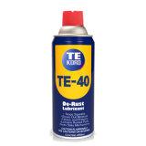 Las latas de aerosol lubricante externo penetrando fuerte
