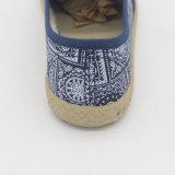 Pattini casuali piani di buona qualità delle signore poco costose delle calzature