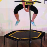 Mini tremplin de saut à l'élastique exécuté par Bungee gonflable