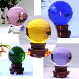 Boule de cristal colorée magique matérielle à la maison du décor K9