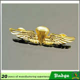 Divisas militares del hombro del águila del oro