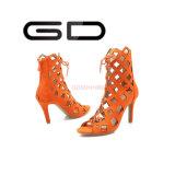 Il colore puro di estate del nuovo modello merletta in su i sandali vuoti per le donne