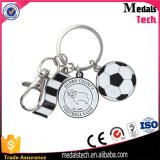 昇進の習慣によってめっきされる銀製OEMは金属のフットボールKeychainを遊ばす