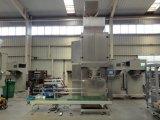Carne seca de la máquina de llenado con el transportador y la máquina de sellado térmico
