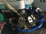 Calcetín que hace la máquina con la conexión del dispositivo