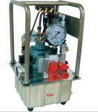 Pompe hydraulique électrique compatible avec un extracteur électrique et extracteur électrique / clé / prise